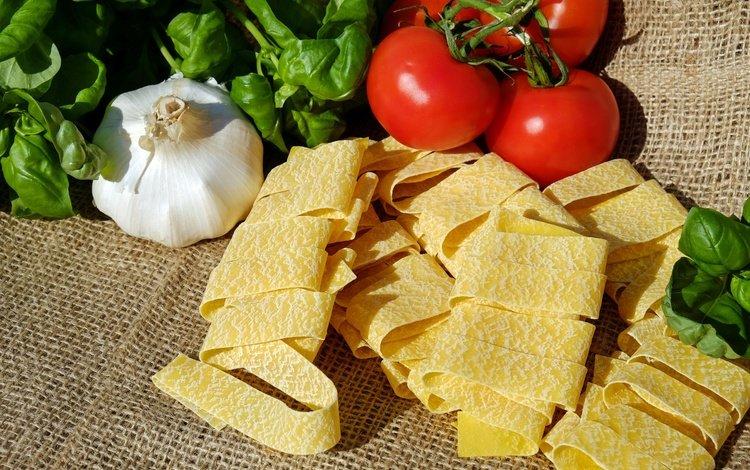 овощи, помидоры, томаты, чеснок, мешковина, лапша, итальянская кухня, vegetables, tomatoes, garlic, burlap, noodles, italian cuisine