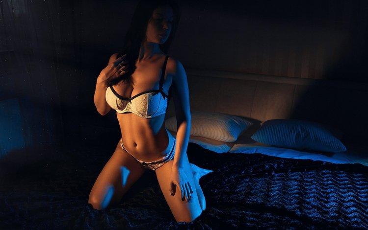девушка, модель, белье, в постели, на коленях, girl, model, linen, in bed, on my knees