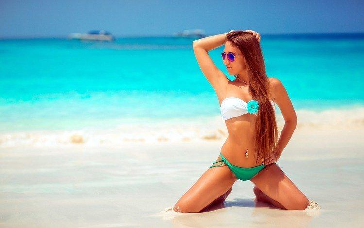 девушка, на коленях, море, солнцезащитные очки, песок, olga goncharova, пляж, модель, бикини, шатенка, длинные волосы, girl, on my knees, sea, sunglasses, sand, beach, model, bikini, brown hair, long hair