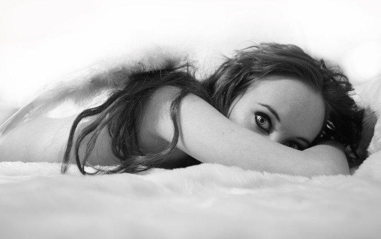 глаза, девушка, взгляд, чёрно-белое, волосы, лицо, в постели, eyes, girl, look, black and white, hair, face, in bed