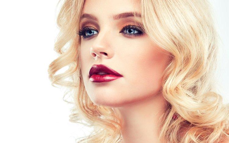 рука, помада, девушка, 1, ресницы, блондинка, фотосессия, взгляд, модель, голубые глаза, макияж, прическа, hand, lipstick, girl, eyelashes, blonde, photoshoot, look, model, blue eyes, makeup, hairstyle