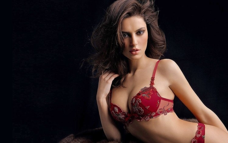 athlete, catrinel, menghia, catrinel menghia, chest ok, the hips, romanian, not a komsomol member, underwear lingerie, red bust, side bow, the cleavage of the breasts, lush hair