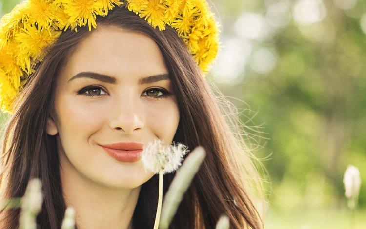 девушка, карие глаза, настроение, фото, улыбка, модель, одуванчик, макияж, венок, girl, brown eyes, mood, photo, smile, model, dandelion, makeup, wreath