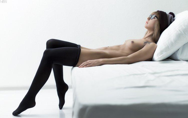 girl, glasses, chest, legs, beauty, bed, ura pechen