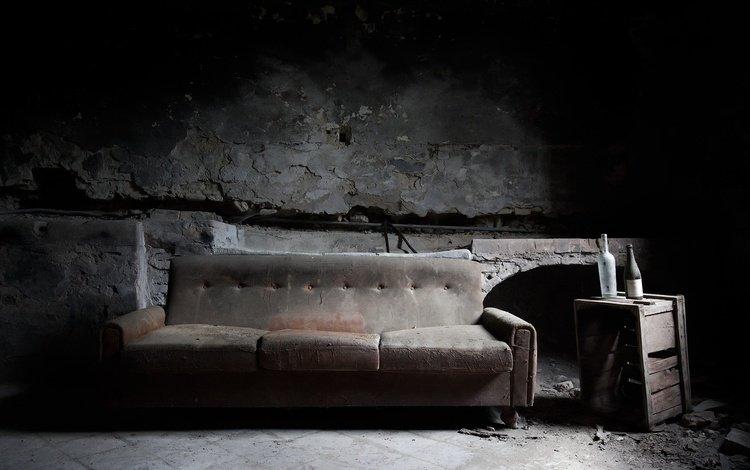 комната, бутылка, диван, room, bottle, sofa