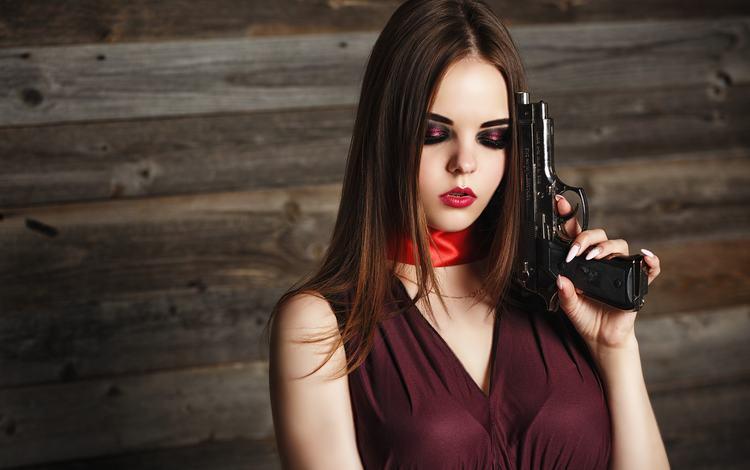 девушка, платье, пистолет, взгляд, волосы, лицо, макияж, girl, dress, gun, look, hair, face, makeup