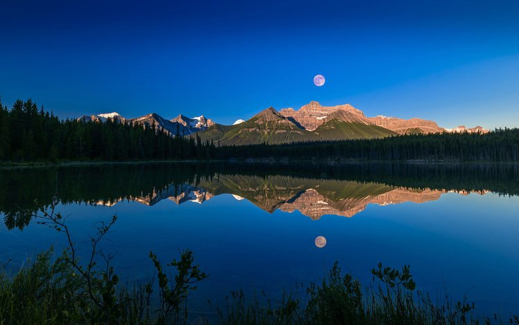 озеро, горы, природа, лес, отражение, пейзаж, луна, lake, mountains, nature, forest, reflection, landscape, the moon