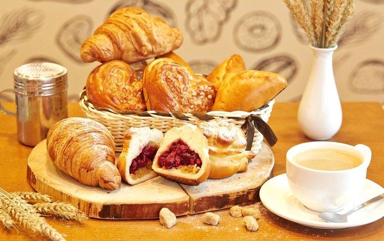 кофе, круассаны, чашка, завтрак, выпечка, натюрморт, начинка, булочки, сдоба, coffee, croissants, cup, breakfast, cakes, still life, filling, buns, muffin