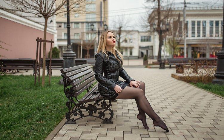 блондинка, взгляд, улица, ножки, скамейка, лицо, георгий дьяков, blonde, look, street, legs, bench, face, a diakov george