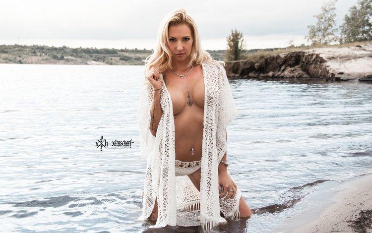 берег, лицо, девушка, в воде, блондинка, taiper aka x-trascharf, пляж, взгляд, модель, грудь, волосы, shore, face, girl, in the water, blonde, beach, look, model, chest, hair