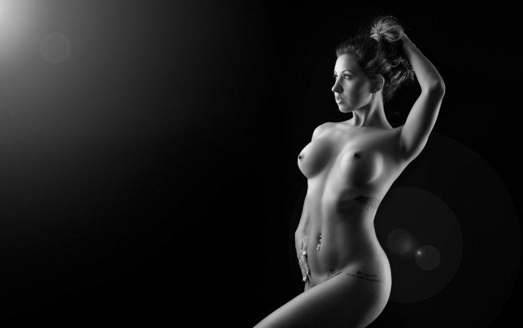 девушка, голая, брюнетка, взгляд, чёрно-белое, модель, грудь, волосы, лицо, girl, naked, brunette, look, black and white, model, chest, hair, face