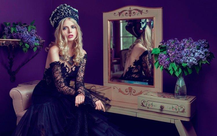 цветы, макияж, отражение, прическа, платье, сирень, блондинка, красивая, портрет, головной убор, зеркало, модель, наряд, flowers, makeup, reflection, hairstyle, dress, lilac, blonde, beautiful, portrait, headdress, mirror, model, outfit