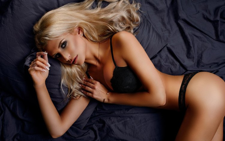 mädchen, blonde, blick, modell, haare, gesicht, posiert, schwarze dessous, artem suchilin