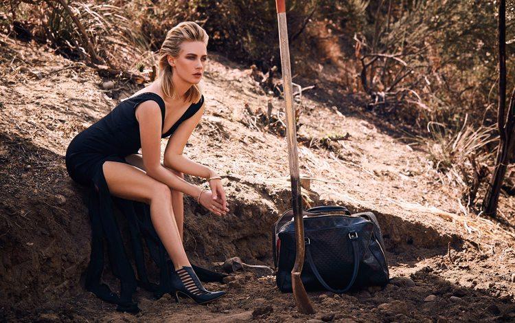 nature, girl, dress, pose, blonde, model, photographer, actress, makeup, hairstyle, figure, bag, shovel, 2015, january jones