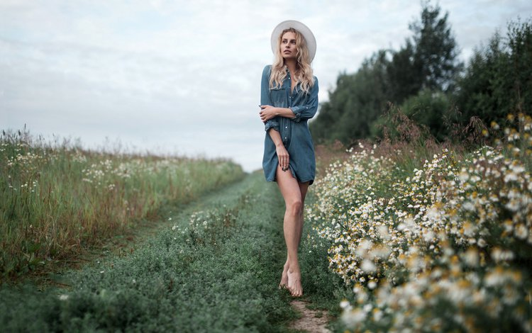 flowers, grass, girl, pose, blonde, look, model, legs, chamomile, hair, face, hat, barefoot, andrey frolov