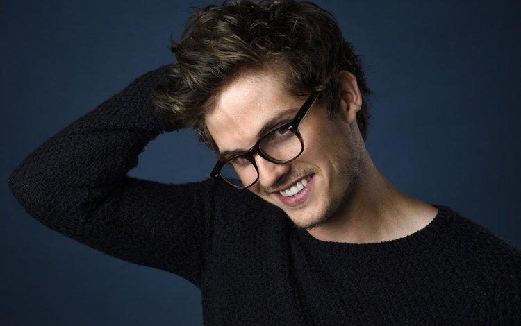 улыбка, взгляд, очки, актёр, лицо, дэниэл шарман, smile, look, glasses, actor, face, daniel sharman