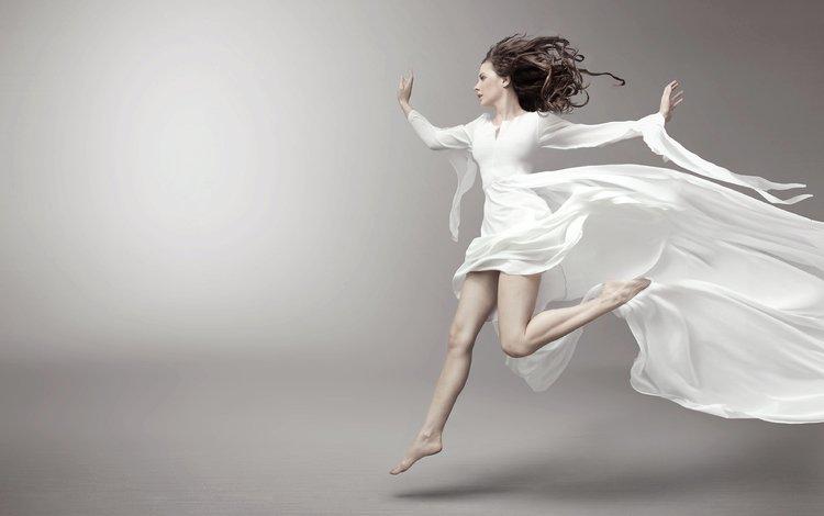 девушка, белое платье, фон, босиком, взгляд, модель, профиль, ножки, волосы, лицо, girl, white dress, background, barefoot, look, model, profile, legs, hair, face