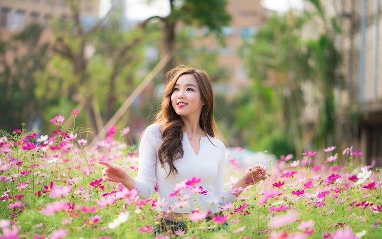 цветы, космея, девушка, улыбка, взгляд, волосы, лицо, азиатка, боке, flowers, kosmeya, girl, smile, look, hair, face, asian, bokeh