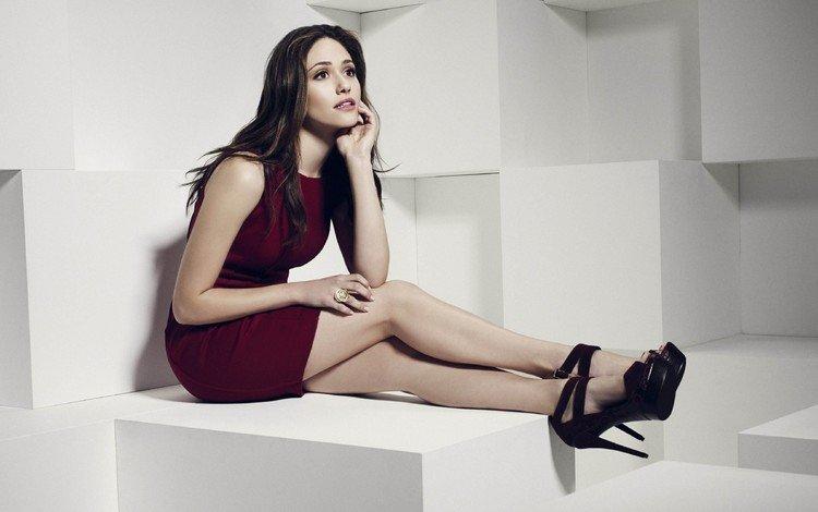 девушка, платье, актриса, туфли, длинные волосы, сидя, эмми россум, высокие каблуки, girl, dress, actress, shoes, long hair, sitting, emmy rossum, high heels