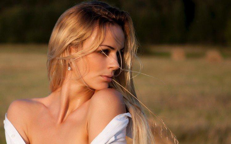 девушка, блондинка, взгляд, модель, профиль, лицо, длинные волосы, голые плечи, girl, blonde, look, model, profile, face, long hair, bare shoulders