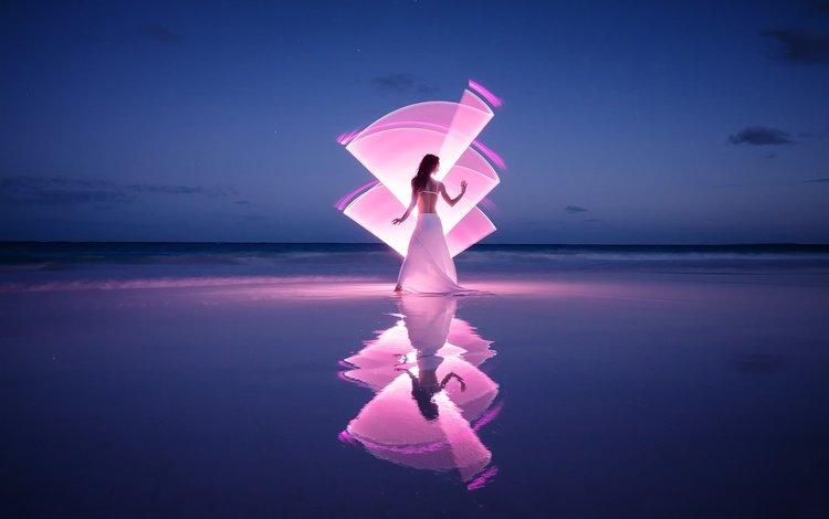 свет, горизонт, берег, светографика, девушка, отражение, море, поза, песок, пляж, light, horizon, shore, light-graphic, girl, reflection, sea, pose, sand, beach