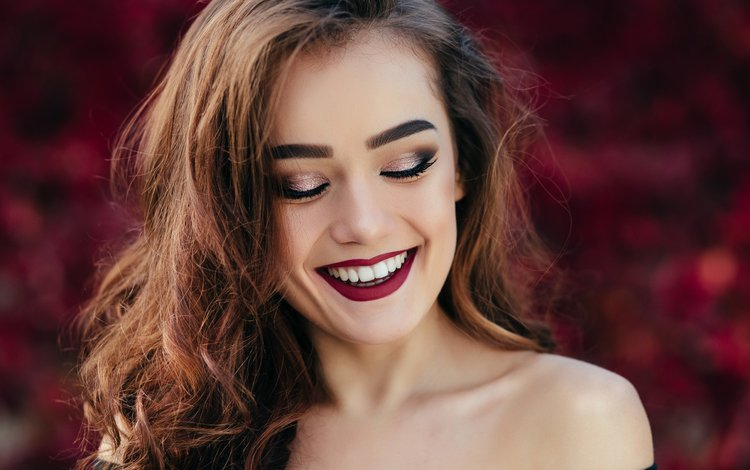 девушка, улыбка, портрет, модель, губы, лицо, макияж, прическа, girl, smile, portrait, model, lips, face, makeup, hairstyle
