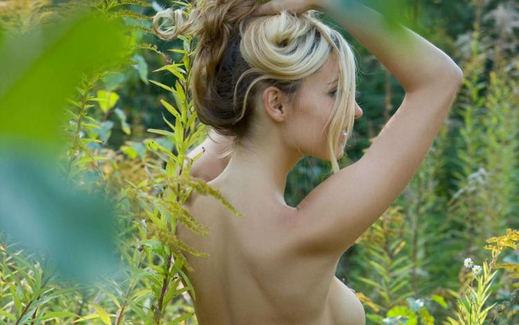 красавица, девочки, на природе, открытый, цветы, коринна, beauty, girls, nature, outdoor, flowers, corinne