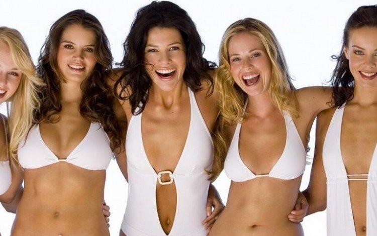 улыбка, грудь, волосы, животик, шикарная фигура, пять девушек, белый купальник, smile, chest, hair, tummy, great body, five girls, white swimsuit