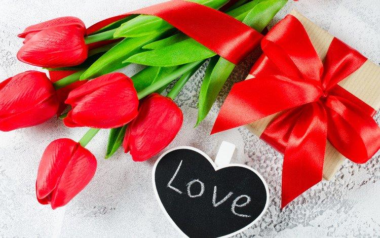 красные, валентинов день, любовь, сердечка, букет, gift box, тюльпаны, лента, подарок, романтик, цветы, red, valentine's day, love, heart, bouquet, tulips, tape, gift, romantic, flowers