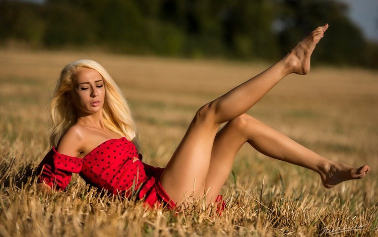 girl, pose, blonde, field, feet, ring, nose, piercing, in, all, it