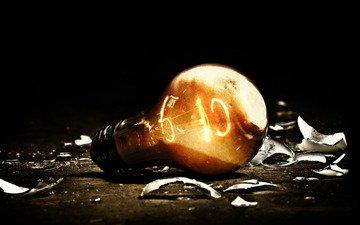 свет, осколки, горит, темнота, лампочка, электричество, лампа накаливания, нить накаливания, вольфрам, легкие