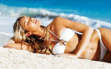 блондинка, пляж, кэндис свейнпол