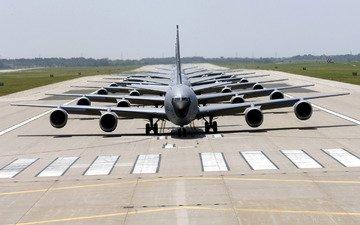 аэропорт, американские транспортные самолеты, взлетная полоса