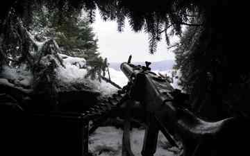 snow, needles, weapons, ambush, mg-42
