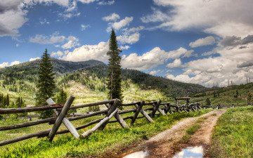 дорога, деревья, вода, горы, фото, обои для рабочего стола, пейзажи, дороги, красивые картинки, леса, заборы, лужа, лужи, nikon d3x, йеллоустон