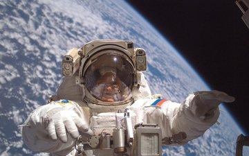 космонавт, открытый космос, на орбите, земля с космоса