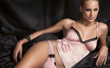 черный, розовый, белье