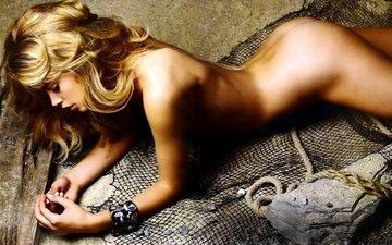 девушка, блондинка, песок, сеть, рыбаловная