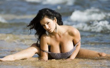 water, wave, chest, denise milani