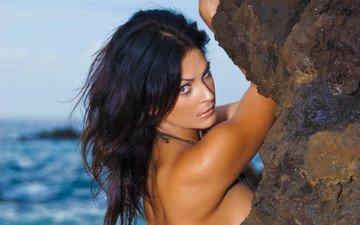 девушка, скала, пляж, брюнетка, взгляд, океан
