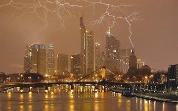 тучи, молния, город