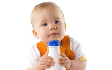 ребенок, бутылочка