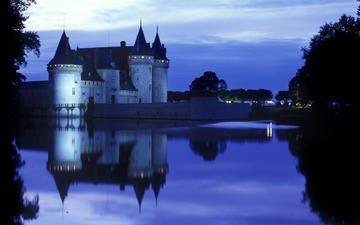 фонари, вечер, замок, водоем, памятник, архитектурный