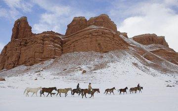rocks, snow, cowboys
