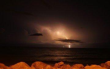 ночь, море, молния