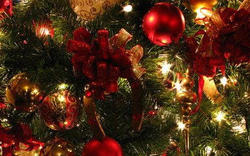 новый год, елка, шары, зелёный, зима, красный, игрушки, елочные игрушки, огоньки, украшение, подкова, новогодние игрушки, новогодний шар
