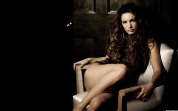 девушка, брюнетка, кресло, красивая, ниги