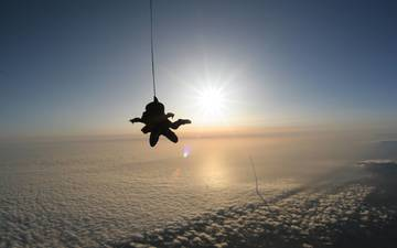 clouds, jump, adrenaline, on, parachutist, surprise, flies, meeting