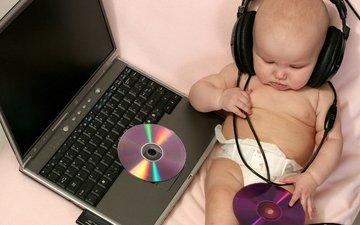 музыка, наушники, ребенок, ноутбук