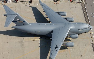 the plane, cargo, usaf